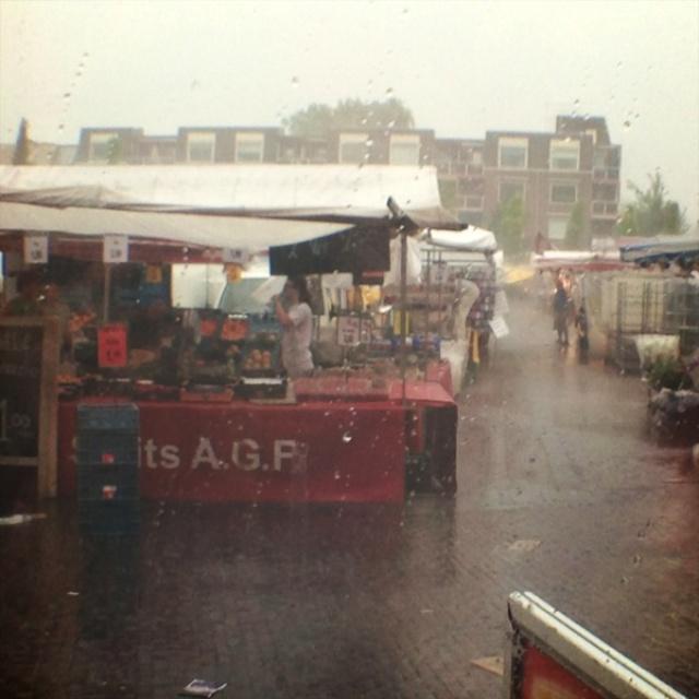 Markt in regen