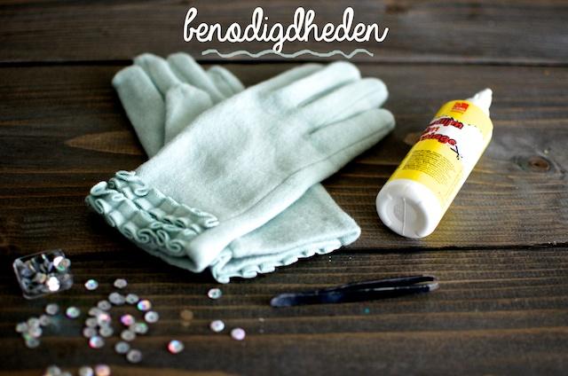 Maak je eigen handschoenen met studs!