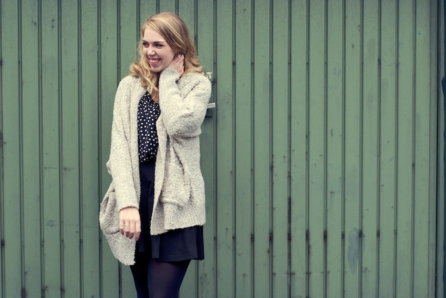 stippenblouse, outfit met stippen, trend stippen
