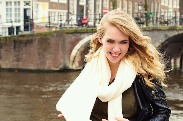 kleren pull and bear, amsterdam fashion shoot, a cup of life