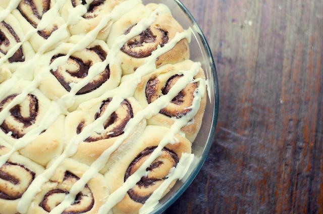 Nutella cinnamon rolls met witte chocolade
