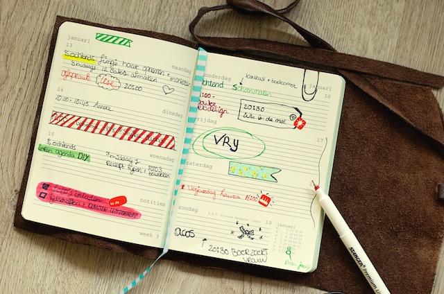 maak je eigen agenda, zelf agenda maken, zelf leer naaien, leren agenda