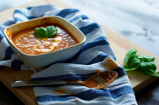 zelf tomatensoep maken, goed tomatensoep recept, tomaten roosteren, geroosterde tomaten, tomaten recept, wat te doen met tomaten