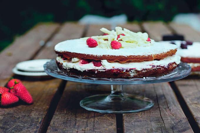 Victoria sponge recept, zelf taart maken bruiloft, zelf taart verjaardag, verjaardagstaartrecept