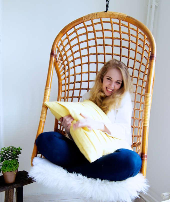 Woonkamer met hangstoel, hangstoel stylen