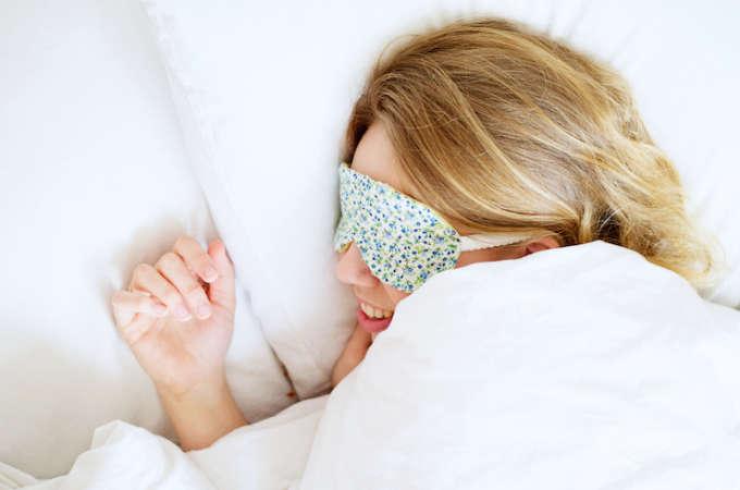 Maak je eigen slaapmasker