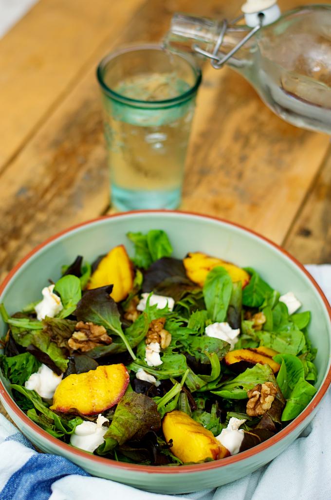 gezonde salade, slanke salade, gezond salade met geitenkaas, slanke salade geitenkaas, slanke salade fruit