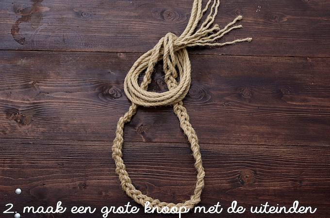d.iy. handdoekhaken van touw