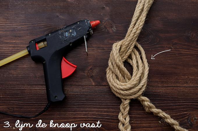 DSC_41d.iy. handdoekhaken van touw88