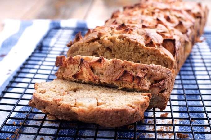 Heerlijke cake, met kruiden en appel, herfstcake, herfstrecept