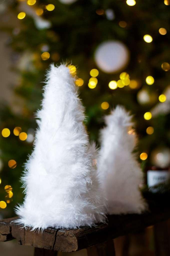 Kerstboom van veren DIY