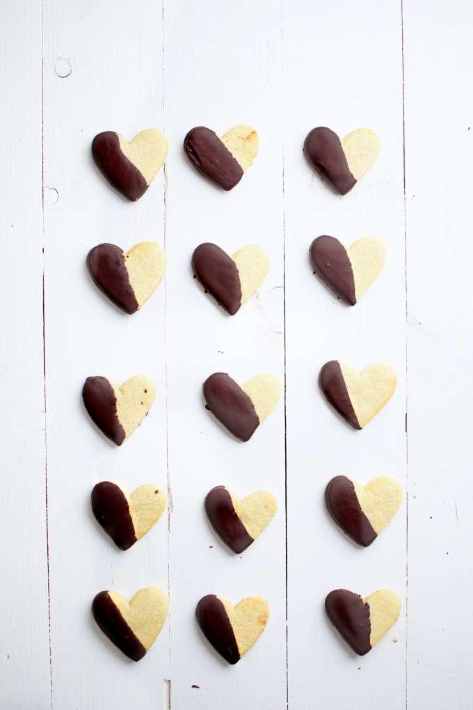 Chocolade gedipte zandkoekjes