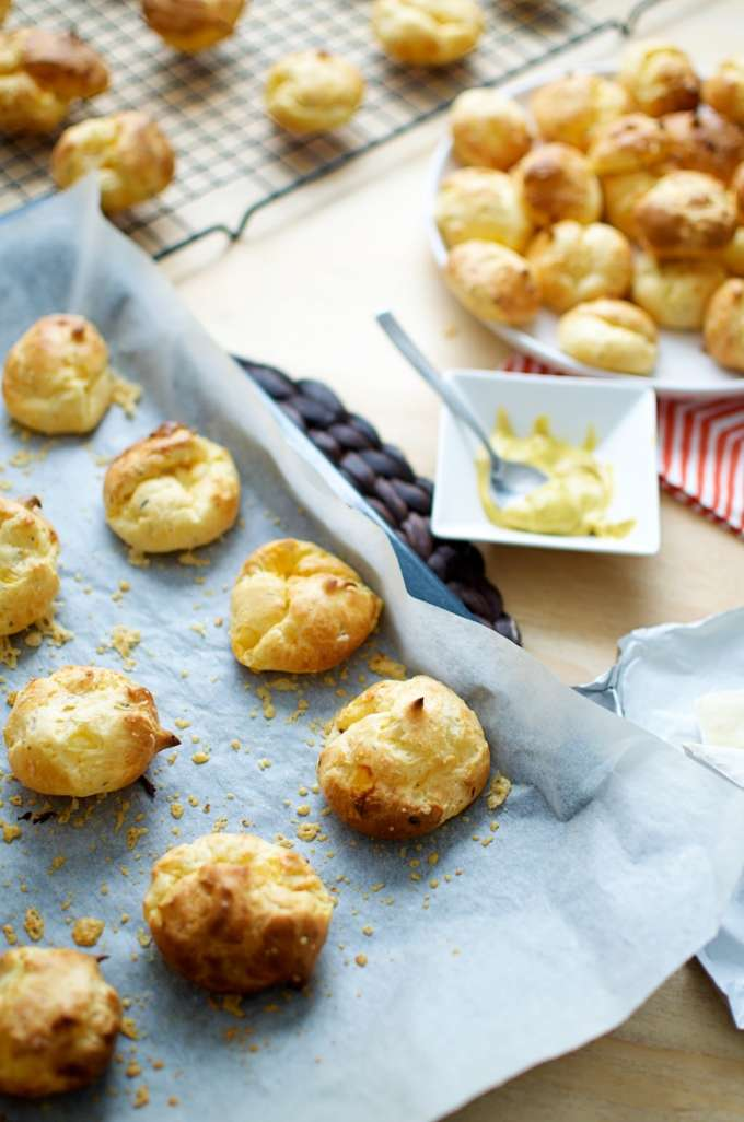 Cheese puffs (4)