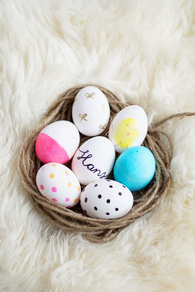 Paint your eggs with these creative ways!