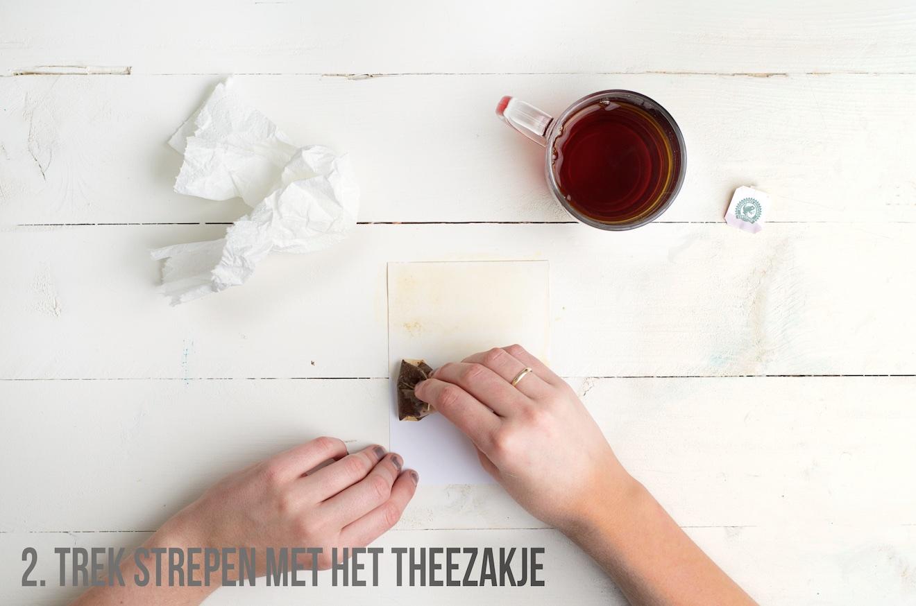 papier donker maken met thee2