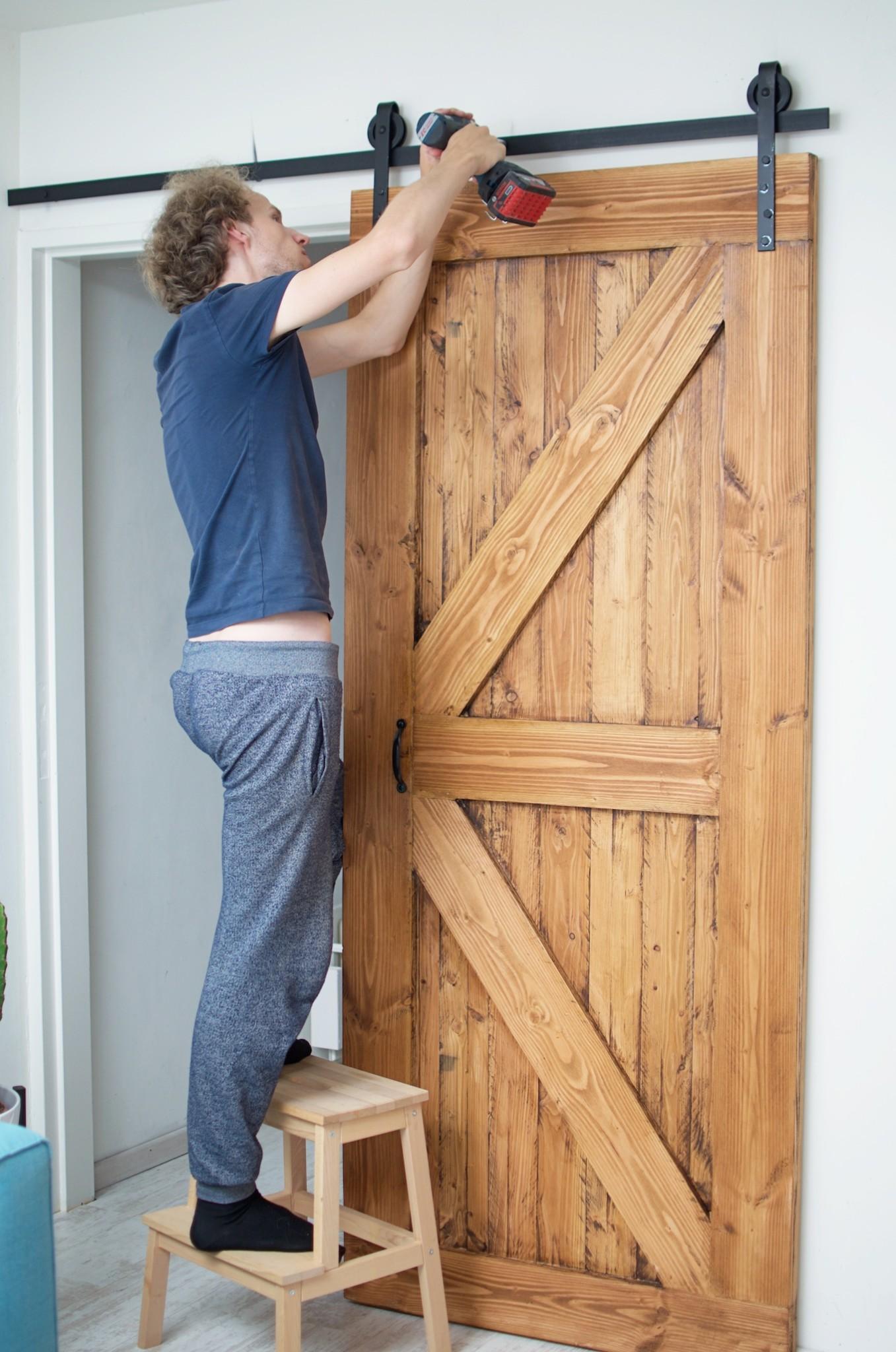 Hoe maak je een schuifdeur voor minder dan 50 euro - Schuifdeur deur ...