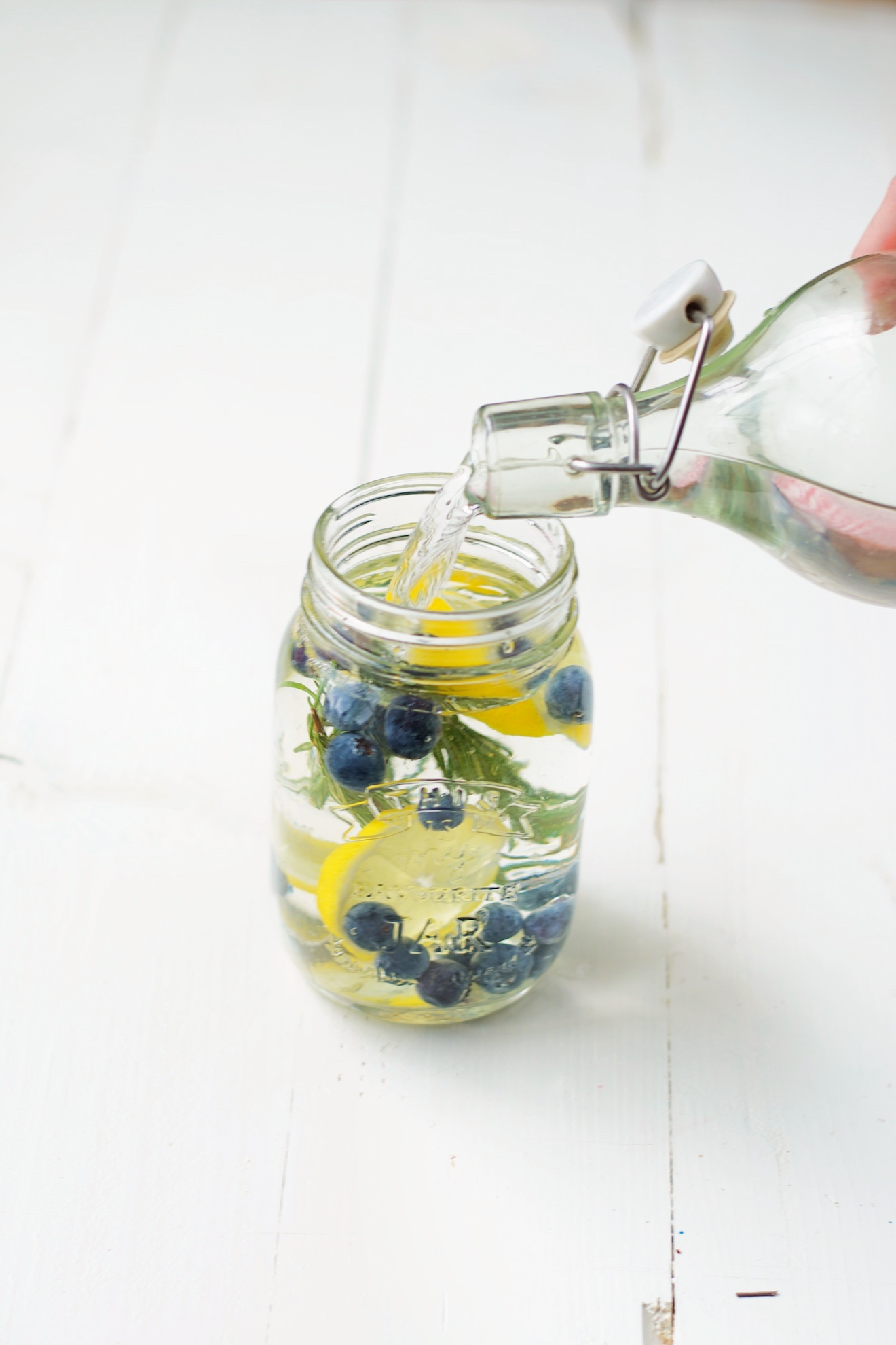 infused water- water met fruit tt (1)