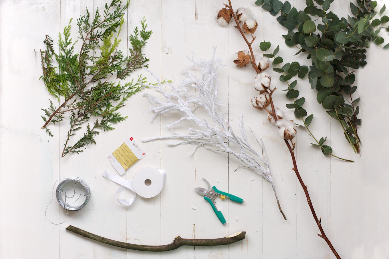 DIY kerstkrans met natuurlijke materialen (9)