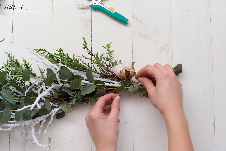 DIY kerstkrans met natuurlijke materialen3 (1)