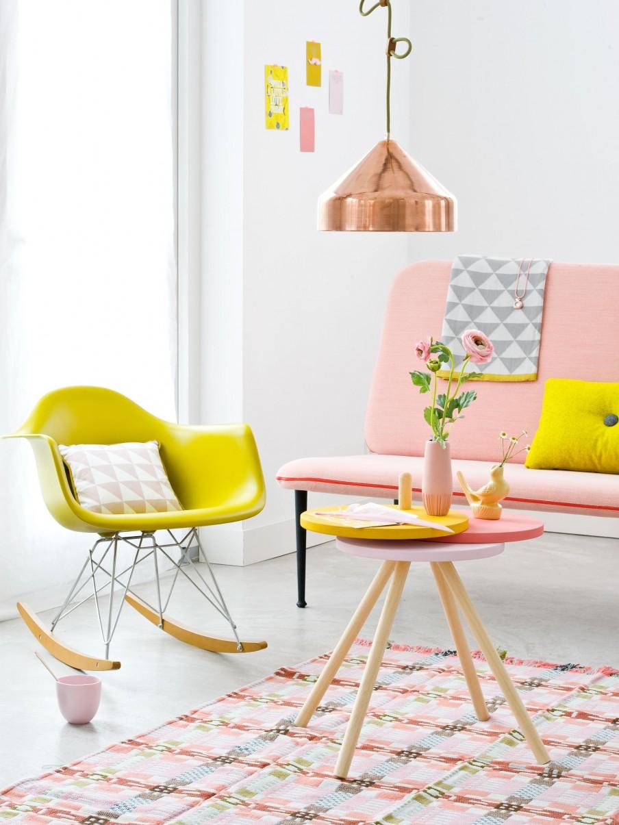 bijzettafel-van-Ikea-krukjes
