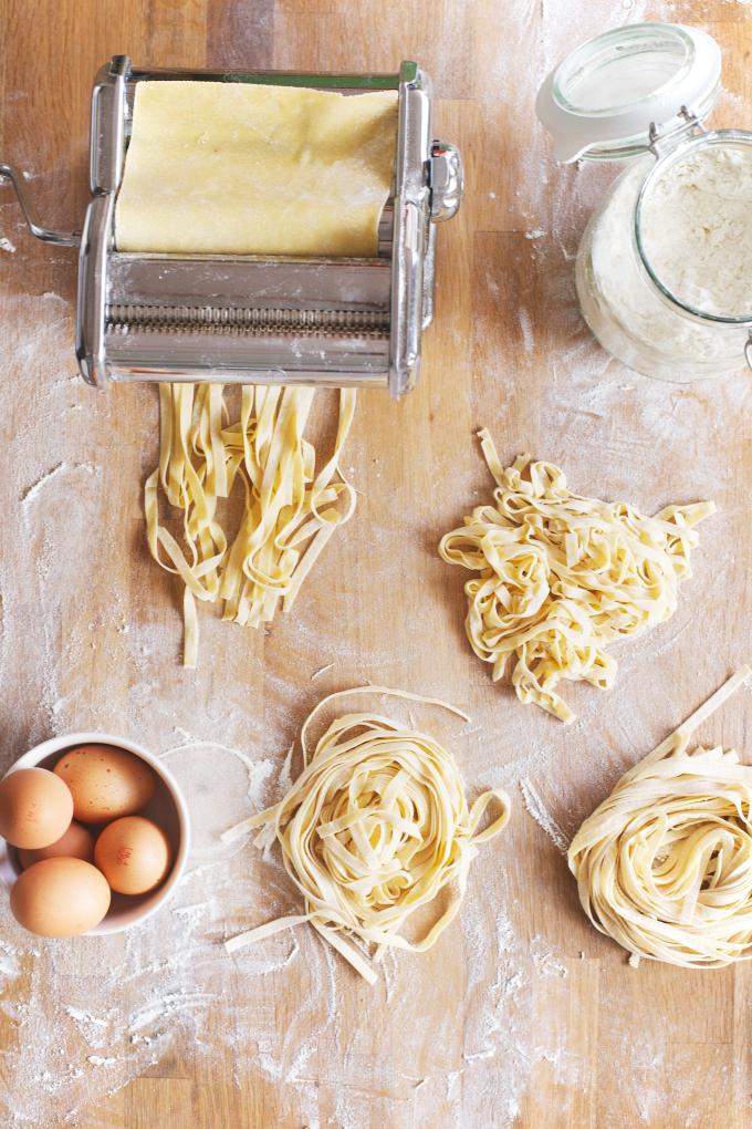 A-Cup-of-Life-pasta-maken