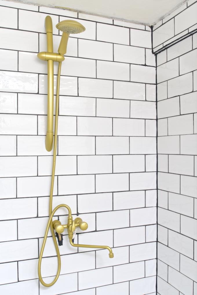 Kranen badkamer goud spuiten (13)