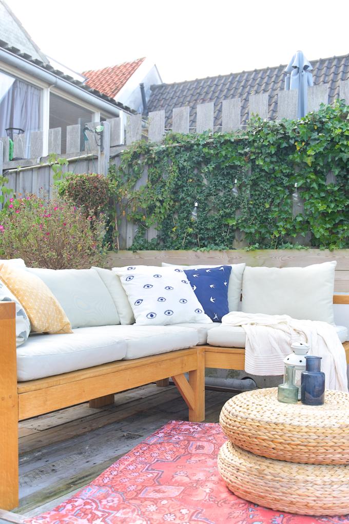 DIY  maak zelf een hoekbank voor buiten   A Cup of Life