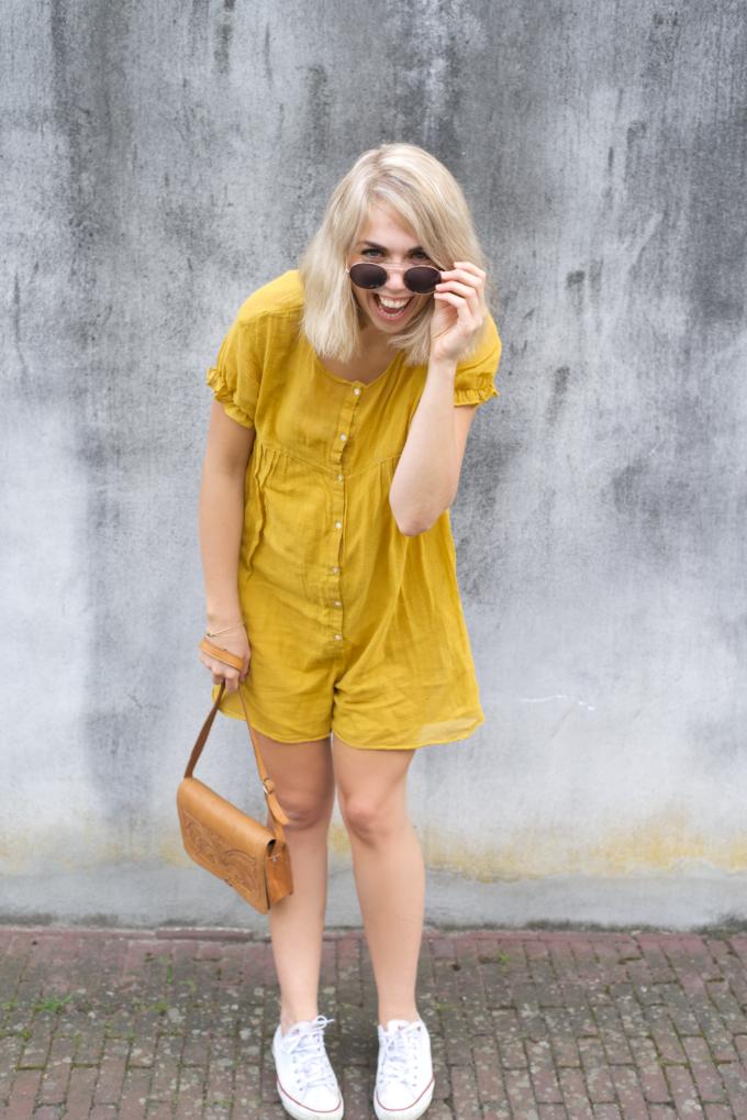 Zomer fashionshoot gele jurk zara 2