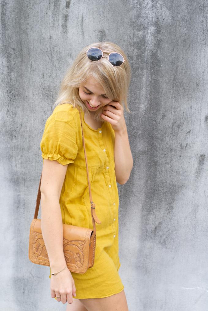 Zomer fashionshoot gele jurk zara 4