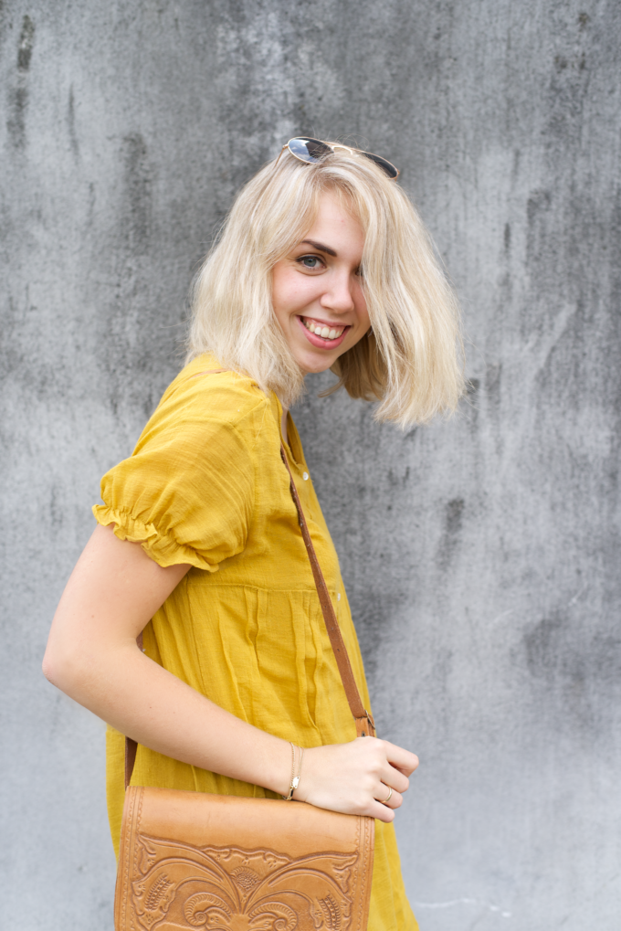 Zomer fashionshoot gele jurk zara 6