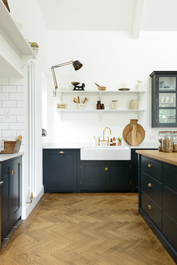 devol-kitchens__english-shaker_traditional-design_kitchen_simple_tudor_country_designer-spotlight_emily-henderson_inspiration_16