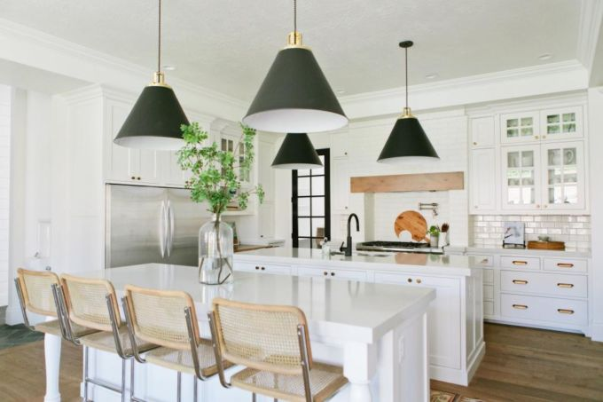 house-of-jade-interiors_kitchen-dining_1-jpg-rend-hgtvcom-966-644
