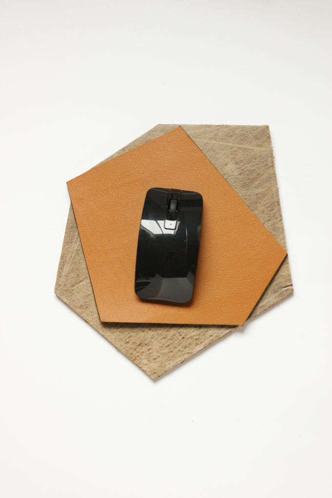 Leather-mousepad-27-of-280210