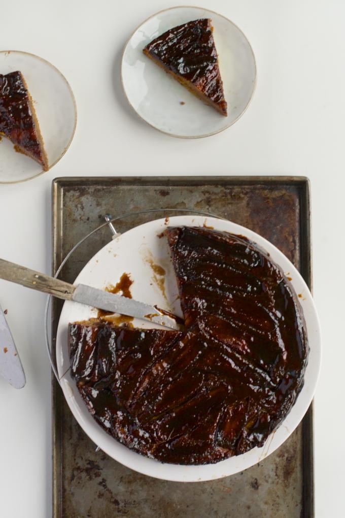 Omgekeerde bananencake met gezouten karamel (8)
