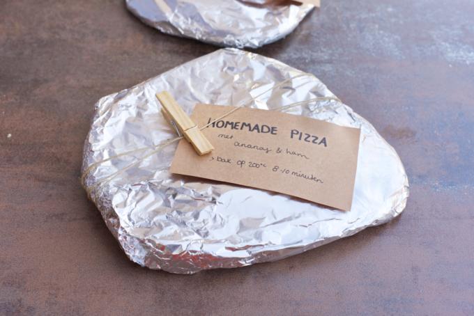 Maak zelf bevroren pizza's