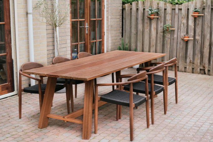 Bouw je eigen houten tuintafel a cup of life - Eettafel houten ontwerp ...
