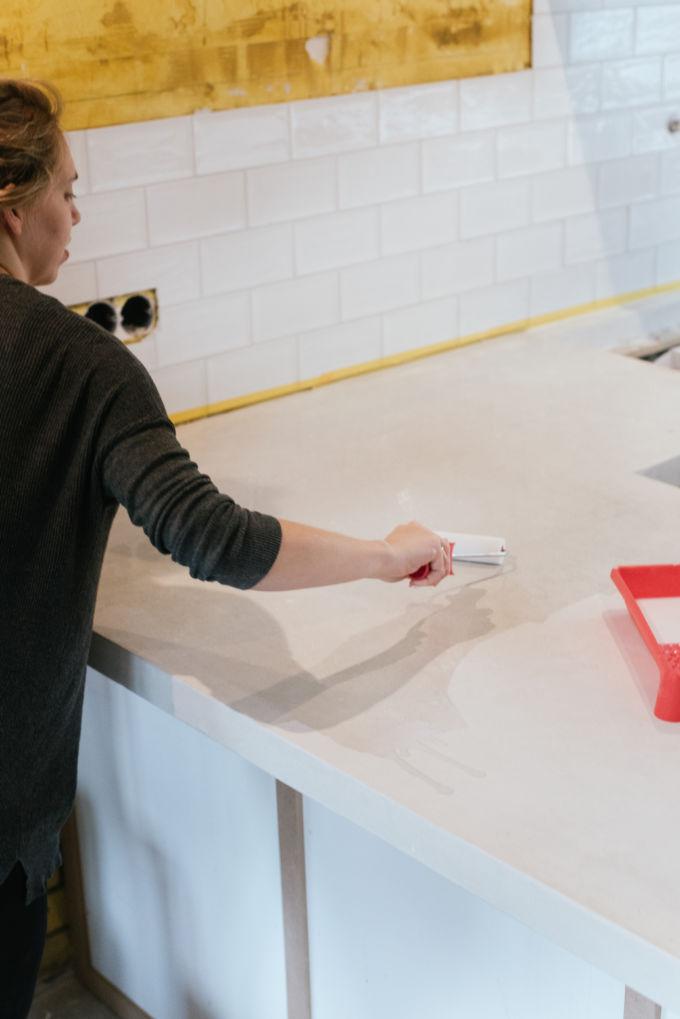 betonnen aanrecht blad afwerken en sealen