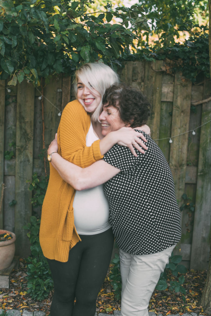 Shifra en mama zwanger