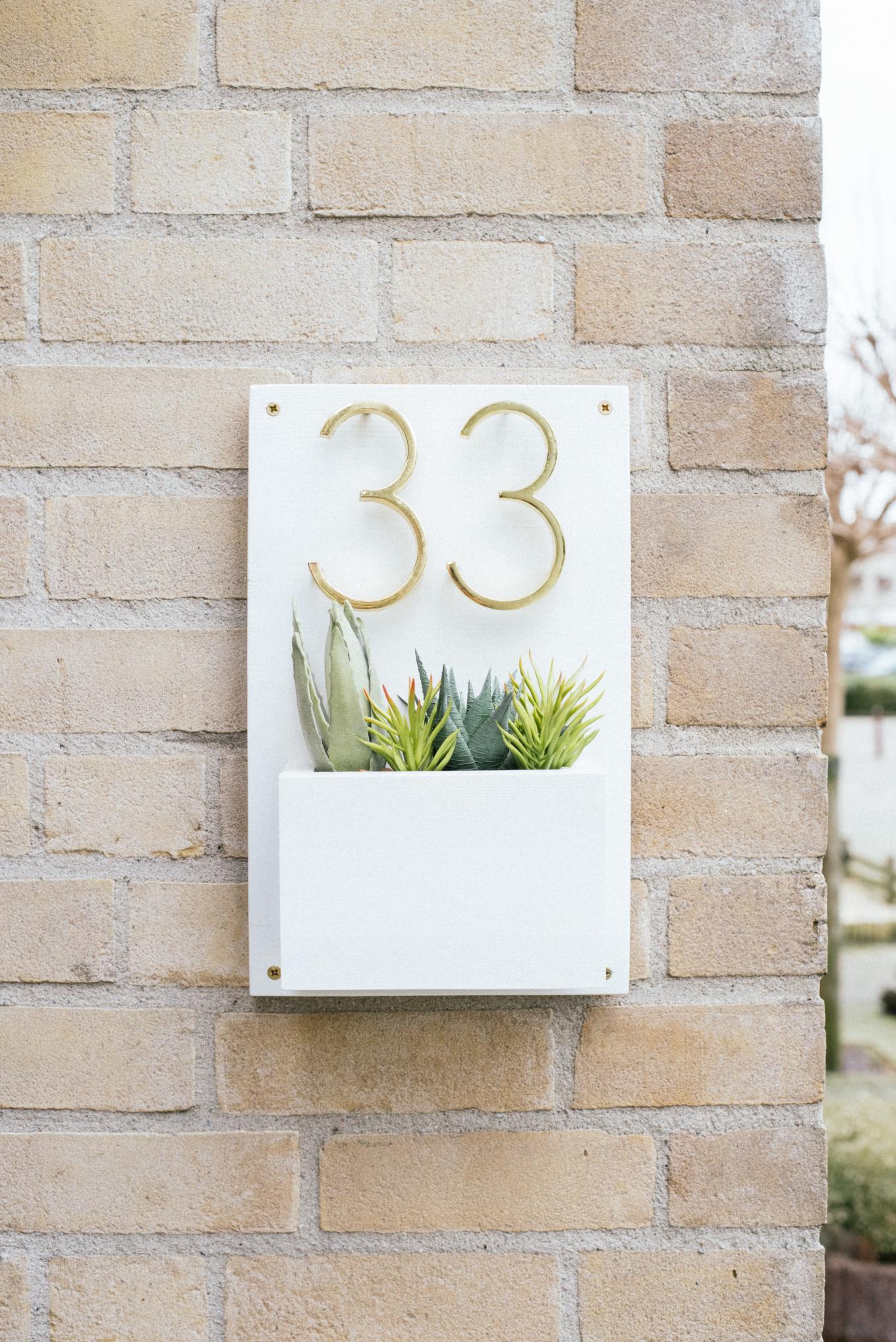 DIY huisnummers met plantenbak-1-2