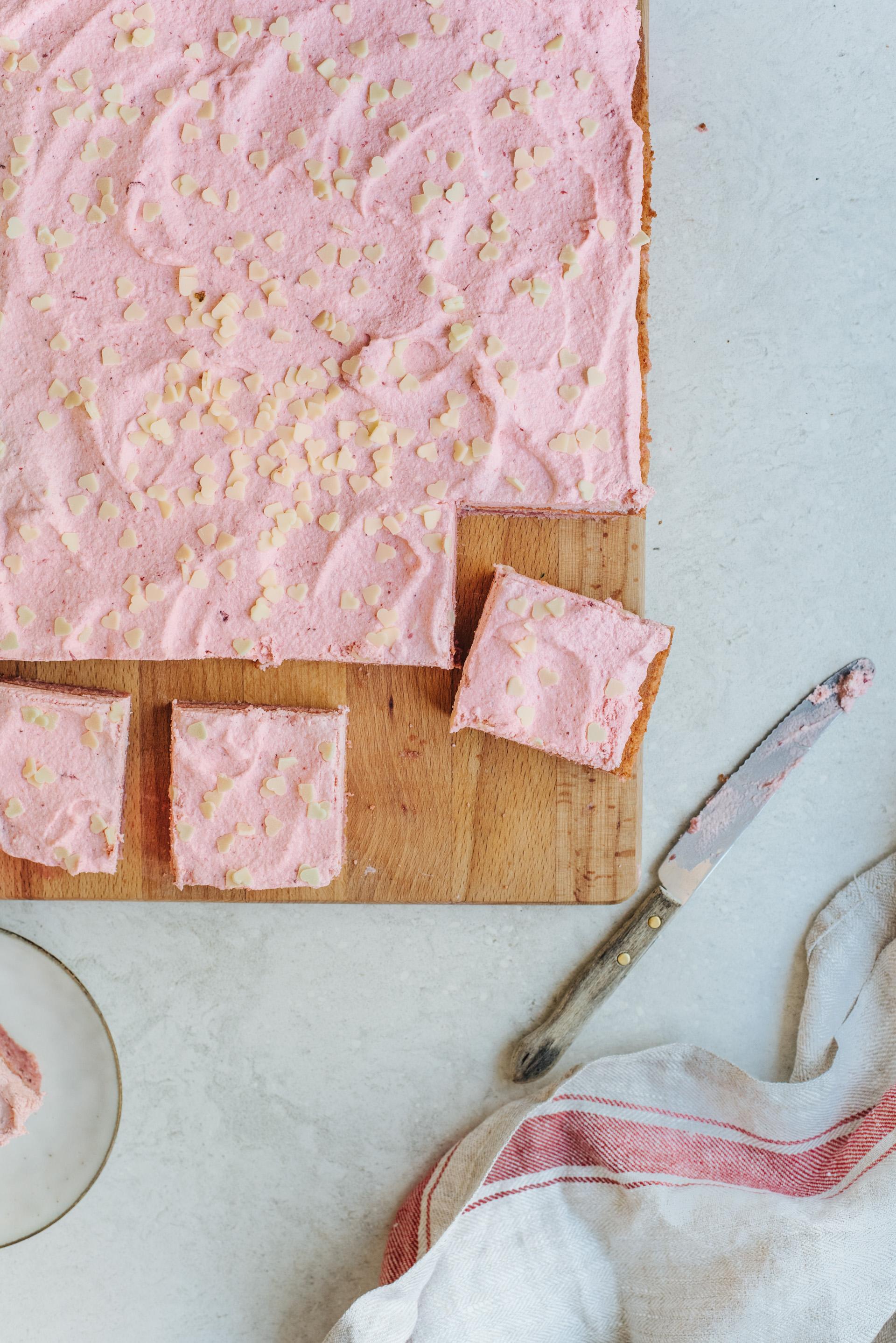 roze taart recept als gender reveal taart, babyshowertaart of moederdagtaart