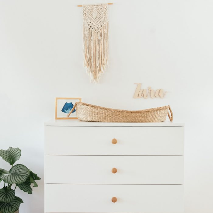 How to: de commode van de babykamer inpakken