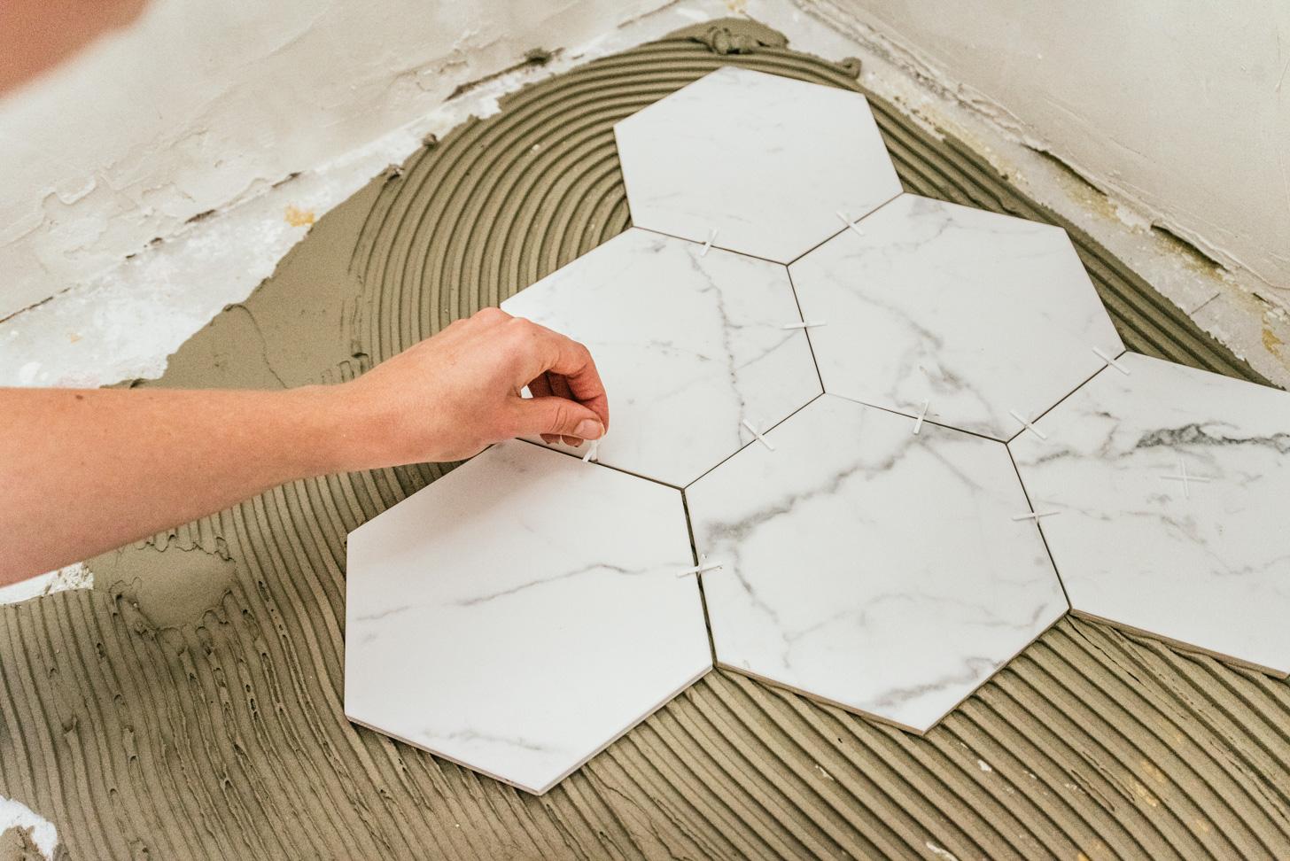 hoe leg je zeshoek tegels