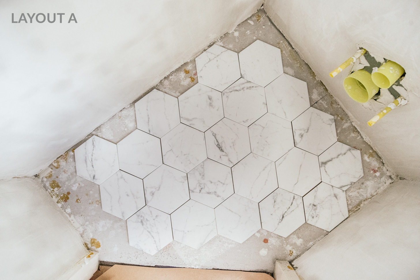 Tegels Leggen Badkamer : Hoe leg je hexagon tegels? honingraat vloer a cup of life